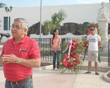 El presidente provincial de la Upec en Holguín, Félix Hernández, durante el homenaje al Maestro (Foto: EBP)