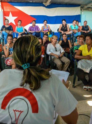 Participantes en el Encuentro del Club de Jóvenes Periodistas, realizado en la Casa de la Prensa (Foto: Yaciel de la Peña/ACN)