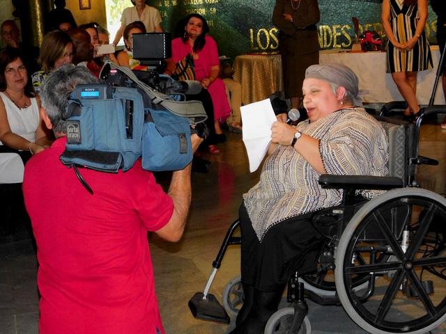Isabel Moya mientras leía sus emotivas palabras en el Memorial José Martí (Foto: Yoandry Avila Guerra)