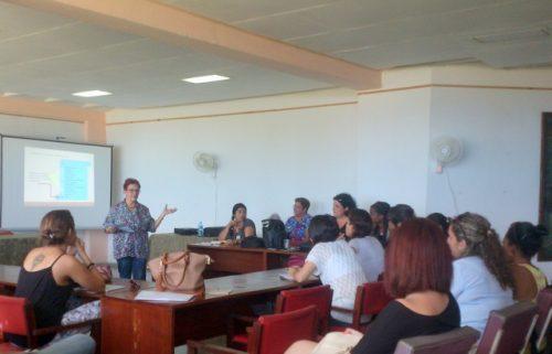 La Dra Iraida Calzadilla durante su conferencia en la Universidad de Matanzas (Foto: YDM)