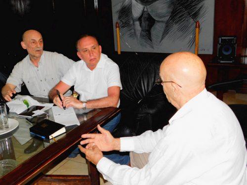 El presidente de la Upec, Antonio Moltó (d), durante el encuentro con colegas de la Unión de Periodistas de Moscú (Foto: Yoandry Avila Guerra)
