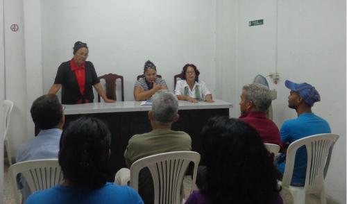 Encuentro en la sede de la Editorial Pablo de la Torriente en Santiago de Cuba (Foto: Betty Beatón Ruiz)