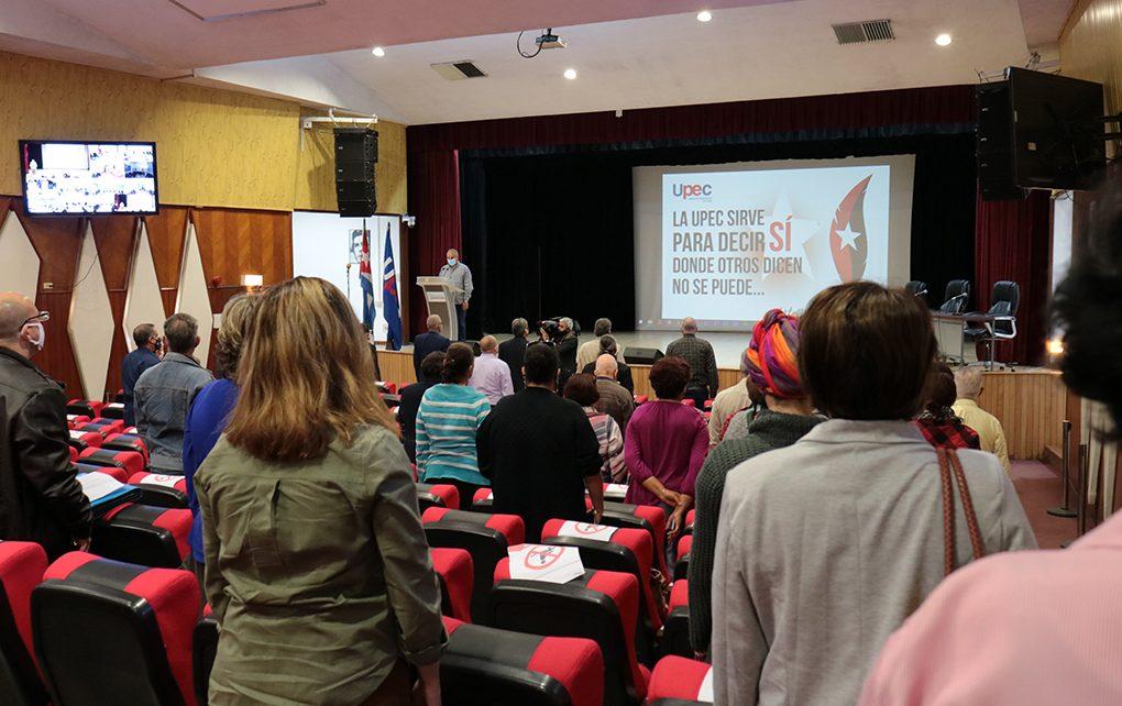 Ante la guerra mediática contra Cuba, los periodistas en la primera línea de combate