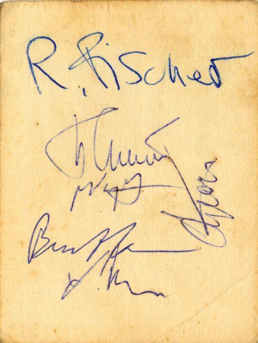 Mi tarjeta con Fischer y otras firmas.
