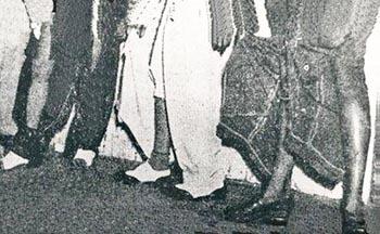Los pantalones de los Chucheros después de la batalla de las tijeras. Foto Narciso Báez.