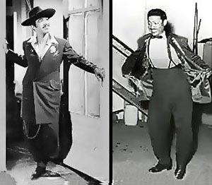 """Los populares cantantes Tin Tan y Benny Moré actuando con los trajes de Chucheros conocidos en México como Pachucos y en los Estados Unidos """"Zoot Suit""""."""